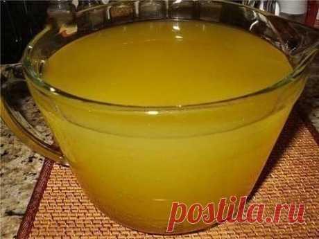 Освежающий домашний лимонад  источник Мир глазами женщин источник  Освежающий домашний лимонадИнгредиенты:На целых 10 литров (!) потребуется 4 апельсина, 1 лимон и сахарЛимонад получится очень вкусный, освежающий! Плюс можно сде…