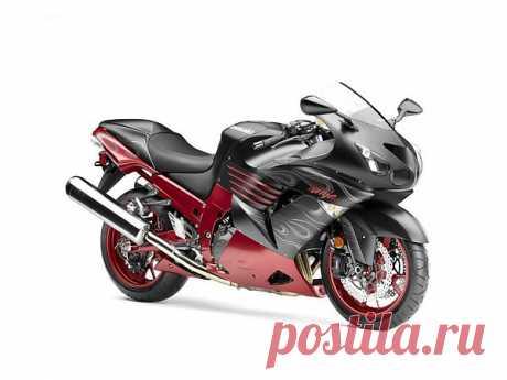 Kawasaki Ninja ZX-14 – самый мощный мотоцикл в истории компании. Байк можно разогнать до 300 км/час. Несмотря на значительный вес и размеры, ZX-14 достаточно управляем и стабилен при маневрировании. Алюминиевая монорама обеспечивает хороший клиренс для жестких поворотов и надежность крепления узлов подвески.