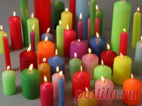 Значение цвета свечи для ритуалов: как привлечь богатство, удачу илюбовь Спомощью свечей можно проводить разные ритуалы ивзависимости отвыбранного цвета привлекать вжизнь теили иные блага. Каждый оттенок помогает вконкретных случаях, поэтому так важно неошибиться свыбором главного атрибута.