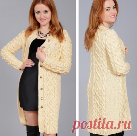 Вязаное пальто с узорами