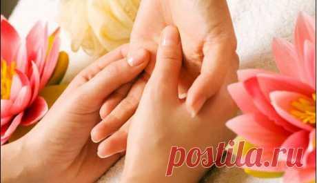 В наших руках тайная сила!  Одним лишь воздействием на мизинец левой руки можно существенно поправить здоровье. Это знали древнейшие врачеватели! Их практика частично подвергнута сомнению, частично предана забвению. К сожалению…