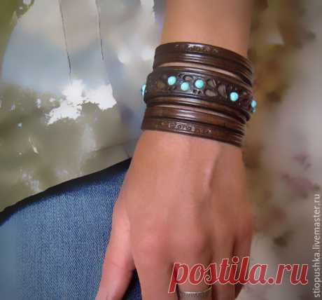 Браслет кожаный бирюзовый – купить в интернет-магазине на Ярмарке Мастеров с доставкой - D9FLXRU | Москва