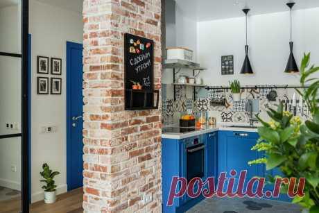 Кухни в коридоре: реальные интерьеры в российских квартирах