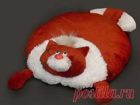Декоративные подушки-коты / Всё за еду!