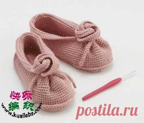 Туфельки крючком для маленьких модниц