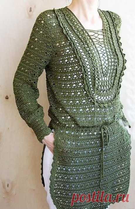 """ТУНИКА """"ВЕТКА ОЛИВЫ""""  Эта туника оливкового цвета в этно-стиле очень элегантная и стильная. Она имеет глубокие разрезы по бокам а подол закруглен. Прекрасно смотрится ажурная вставка на шнуровке которой оформлен вырез изделия.  Размер 38-44.(44-50 российский размер)  100 см в(обхват груди) длина 78-80 см, длина рукава 58 см. Пряжа шелк 500 гр 3000 м \100 гр 8 нитей, соединенных вместе = 375 м / 100 г. Крючок 3.0 мм.  Автор этого шедевра Lacelegance"""