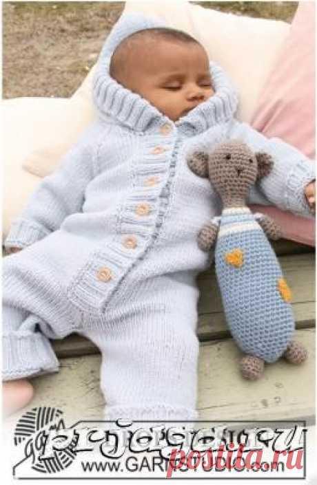 Теплый и мягкий детский комбинезон спицами
