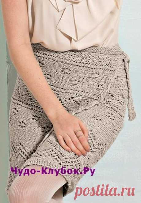 Ажурная юбка с запахом вязаная спицами 157 | ✺❁сайт ЧУДО-клубок ❣ ❂✺Тонко дозированные ажурные узоры превращают связанную поперек юбку с запахом в эффектный аксессуар, который не останется без внимания. РАЗМЕРЫ 34/36 ❂ ►►➤6 000 ✿моделей вязания ❣❣❣ 70 000 узоров►►Заходите❣❣ %