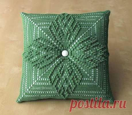 Шикарная диванная подушечка, связанная крючком