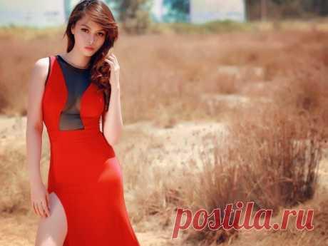 Красный цвет, с чем сочетается в одежде и кому подходит. Цвета обладают свойством влиять на настроение, психологическое состояние, а так же формировать у окружающих определенное восприятие нашего присутствия.  Если научиться разбираться в значении цветов можно тонко управлять впечатлением, которое мы производим на окружающих, и создавать имидж, подходящий к ситуации. Красный — цвет власти, роскоши, опасности и страсти.
