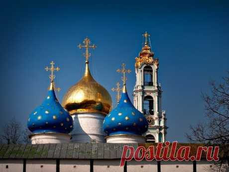 Почему купола православных храмов бывают разного цвета? - YouTube