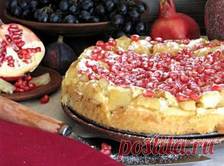 Французские рецепты: пирог с ананасами и гранатом.