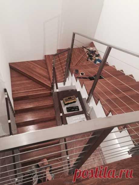 Изготовление лестниц, ограждений, перил Маршаг – Отделка деревом и ограждения с тросиками