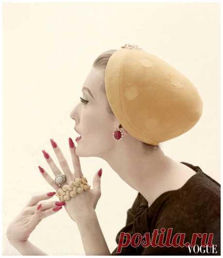 Model Mary Jane Russell   Vogue Sept 1955  Photo Richard Rutledge
