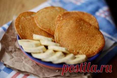 Банановые панкейки без масла Оладьи)))