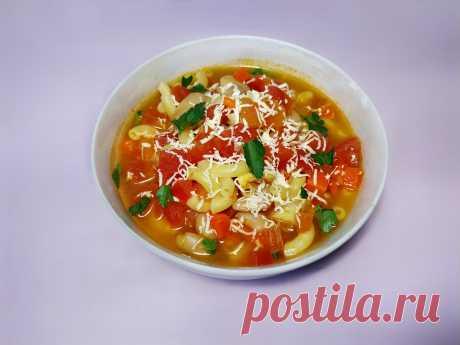 Суп с макаронами, консервированной фасолью и помидорами, рецепт с фото и видео Суп с фасолью и помидорами - это быстрый суп с простыми продуктами. В составе консервированная фасоль, чтобы не тратить время на замачивание фасоли и долгую варку. Суп без картошки, но многие к этому не привыкли, зато есть макароны, так суп будет более сытный.