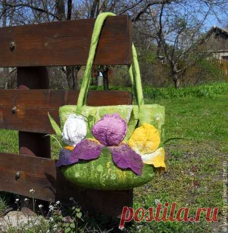 Купить Валяная сумка Ирисы - валяная сумка, войлочная сумка, сумка из шерсти, ирисы, цветы
