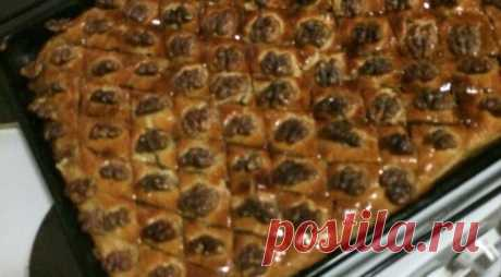 Baklava, the step-by-step recipe with a photo