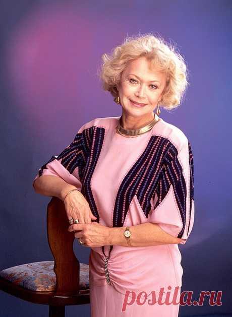 ༺🌸༻Сегодня,18 апреля - Светлане Немоляевой исполняется  84 года.