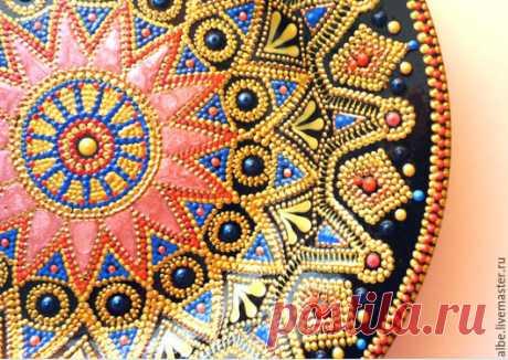 Тарелка-мандала Цветок мечты - черный фон, синий красный, золотой, Тарелка декоративная