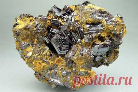 Рутил: формула и свойства минерала, структура, добыча и месторождения, виды (синтетический камень), описание и значение