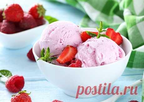 Веганское клубнично-малиновое мороженое без молока