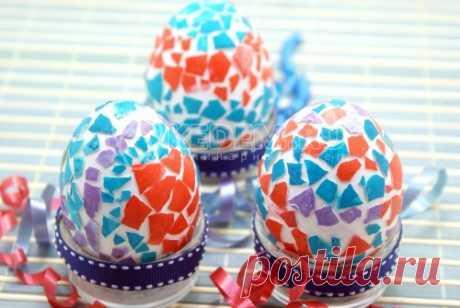 Пасхальные яйца «Мозаика» Пасхальные яйца «Мозаика», это способ удивить тех, кому вы их будете дарить. Такие пасхальные яйца встречаются не часто.