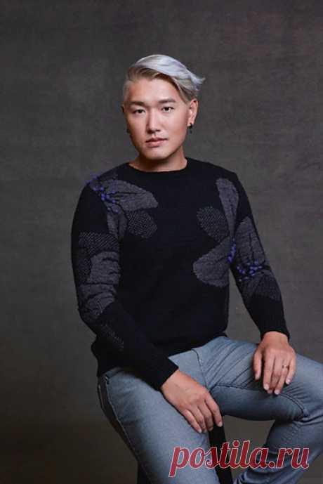 Пуловер Midnight Garden от Les Garçons (Не знаю как для мужчин , а для женщин даже очень ничего)  Размер 1 Готовая окружность груди (самая полная точка): 90см, прибавка на свободу облегания 5-10см. Рост модели 172 см, окружность груди (самая полная точка) 105,5 см , показан в размере 3.  Пряжа: Yarn: Dyed by Delz Twist DK (DK-weight; 100% superwash Merino; 250м / 100г моток) Оттенки: Пряжа А: 4 мотка Пряжа B: ; 2 мотка  Перед: набрать 95пет, Спинка: 95пет, Рукава:47 пет  (...