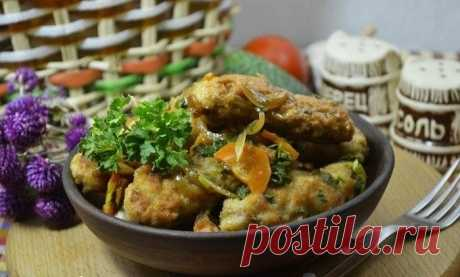 """Meat sausages of \""""Chevapchichi\"""" (9 photos)   Oh, damn Chevapchichi are the Serbian fried sausages. Such sausages turn out juicy and very tasty, and they become rather simply. It is required: - pork meat - 300 g - meat of a turkey - 300 g (it is possible to use other type of meat) - salt, black ground pepper, seasoning to meat - to taste - egg - 1 piece - flour - 1,5 tablespoons - onions - 1 piece - carrots - 1 piece - garlic - 3 cloves - water - 50 ml - greens (fennel or parsley) - a bunch - r..."""