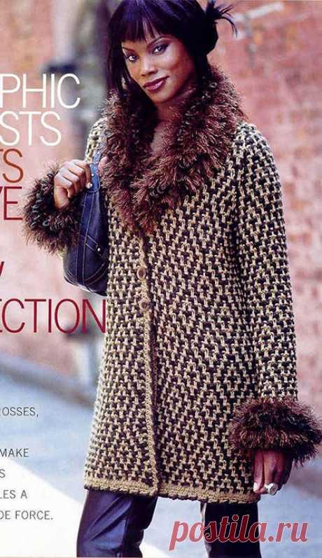 Модное женское пальто спицами – схема с описанием вязания ленивым жаккардом