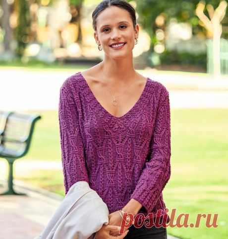Изумительный пуловер цвета фуксии c виртуозными узорами!