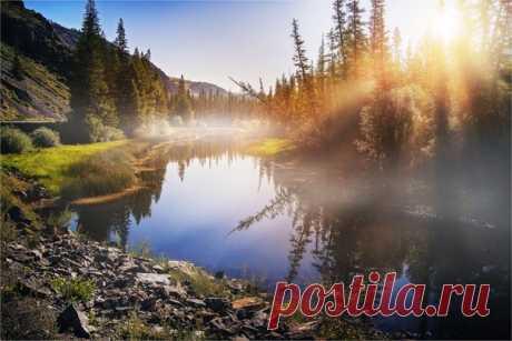 «Солнечное приветствие». Алтай. Автор фото — Павел Сухоребриков: nat-geo.ru/photo/user/293090/
