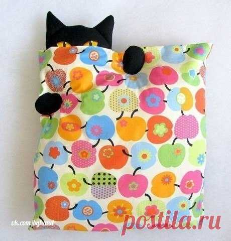 Ideas of creative pillows\u000a\u000a#byhand | #шитье | #handmade | #рукоделие | #мастеркласс