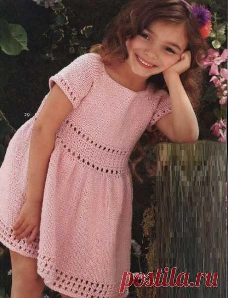 Ажурное платье для девочки спицами из хлопка