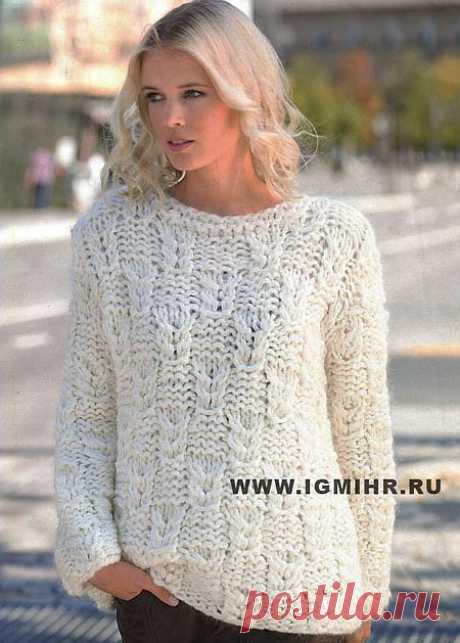 Белый пуловер с косами (вязание спицами)