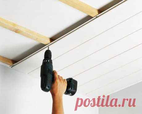 Как крепить пластиковые панели к потолку или стене без ошибок?