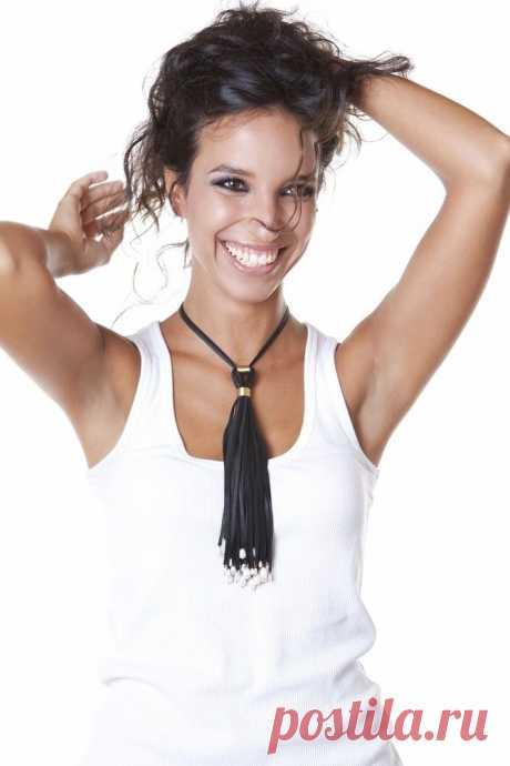El collar - el pincel de la piel \/ Adornamientos y la bisutería \/ la SEGUNDA CALLE