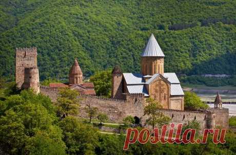 Самые красивые места и главные достопримечательности Грузии