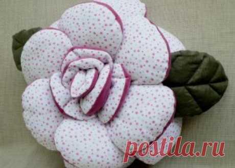 Как сделать подушки-цветы?