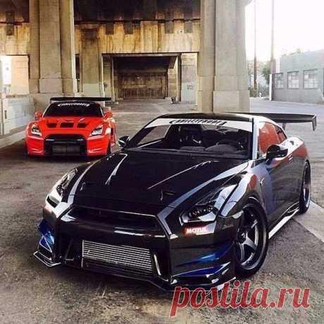 Два красавца GTR