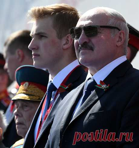Красавец-сын Лукашенко произвел фурор на Параде в Москве