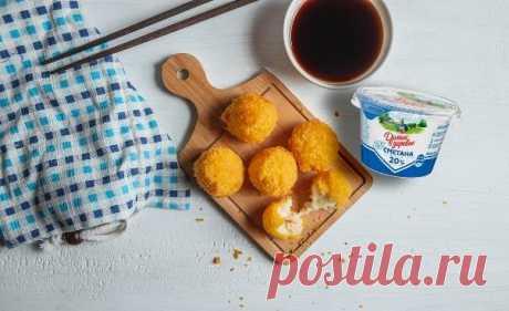 Что приготовить из картофеля, если не пюре и не запеканку? Посмотрите этот рецепт биточков с огуречным тартаром   Готовим #ДомаВкусно с продуктами «Домик в деревне»   Яндекс Дзен