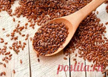 Свойства льна и рецепты для похудения  В семенах льна богатый состав макро-и микроэлементов (калий, кальций, магний, железо, марганец, медь, цинк, хром, алюминий, никель, йод, бор), семена льна концентрируют селен.  * Холодный настой семян льна. Мягко стимулирует желче-и мочеотделение, обладает слабительным и иммуностимулирующим действием. Может быть использован при пищевых отравлениях.  Принимают по 2-3 ст. ложки несколько раз в день маленькими глотками.  * При ларингите....