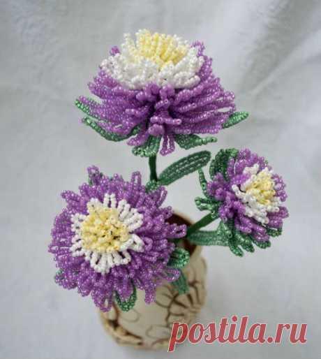 Красивый цветок из бисера — Сделай сам, идеи для творчества - DIY Ideas