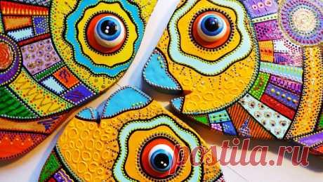 Как сделать декоративную рыбу из картона (точечная роспись, картонаж) Сегодня я покажу вам, как сделать очень красивых, ярких и очаровательных рыб своими руками из картона и самозатвердевающей глины. Честно говоря, я даже не зн...
