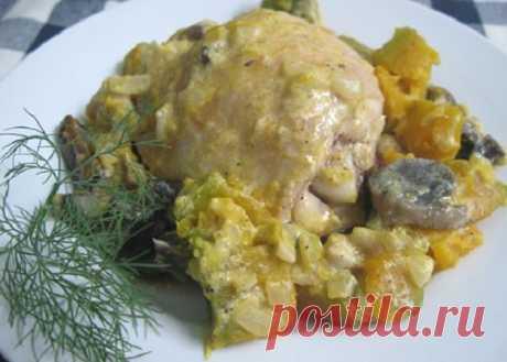 Курица, запеченная с грибами и тыквой Капучино