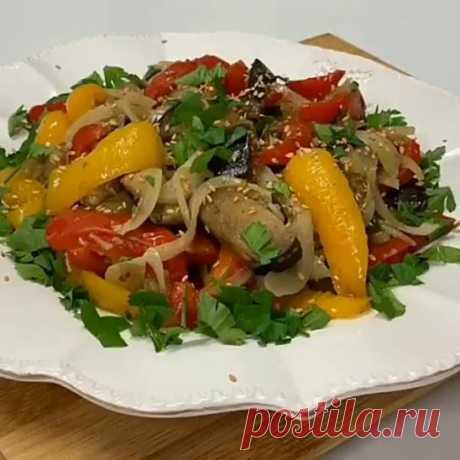 Очень вкусный салат, в стиле азиатской кухни