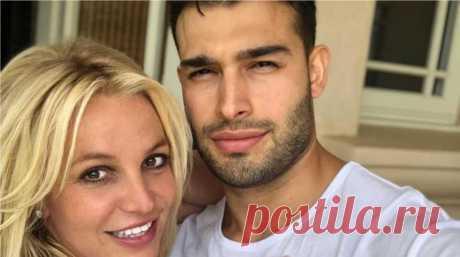 Свадьбе быть! Бритни Спирс похвастала обручальным кольцом в сети