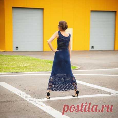 Потрясающая реализация платья Phildar от Татьяны https://www.instagram.com/tatyana.shh/  Это очень красивое длинное платье в пол связано крючком, на юбке гармонично сочетаются квадратные мотивы и цветочный узор, а верх платья с длинным вырезом и шнуровкой выполнен несложным ажуром по схеме. Пряжа: Alize baby cotton soft, расход 10 мотков, крючок 3 Узоры крючком для платья: воздушная п. или п. цепочки столбик б/н (заменять 1-й ст. б/н ряда 1 возд. п.);  полустолбик (заменят...
