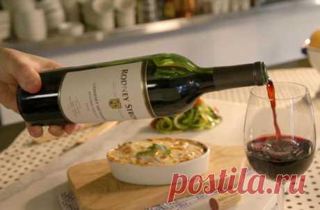 Что будет, если пить вино каждый день      Красное вино является, пожалуй, самым жарким поводом для обсуждений, когда речь заходит о влиянии алкоголя на организм. Его используют в качестве аргумента как сторонники умеренного пития, так и …